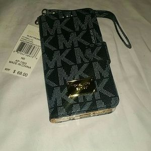 Case note 8 Michael kors